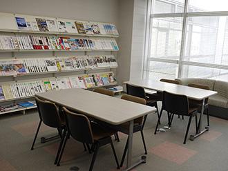 NGO交流室 ミーティングスペース