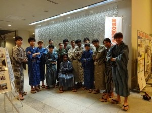 男子学生の浴衣姿